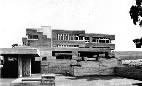 fuckyeahbrutalism:  Canton School, Schaffhausen, Switzerland, 1963-66 (Walter M. Förderer, Hans Zwimpfer)  This is the shit