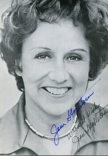 "happy birthday, Jean Stapleton - known to millions as Edith Bunker from ""All in the Family."" If you haven't seen the two episodes about Edith's 50th birthday, go watch on YouTube now. Great television from a great actress. Happy 89th, Jean!"