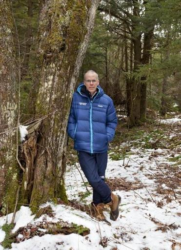 GLOBE MAGAZINE | PREVIEW Bill McKibben, the man who crushed the Keystone XL pipeline - How a mild-mannered Vermont journalist derailed that $7 billion oil project, engineered history's largest green protest, and became the environmental movement's most unlikely celebrity.