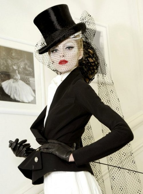 gothiccharmschool:  This. I want this outfit. Look at the veil on that hat!