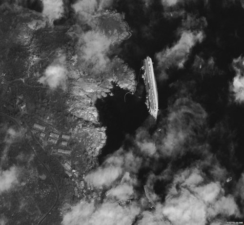Costa Concordia: Satellite image