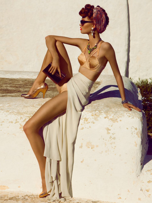 (via Luisa Bianchin by Alexander Neumann for L'Officiel Paris February 2012)