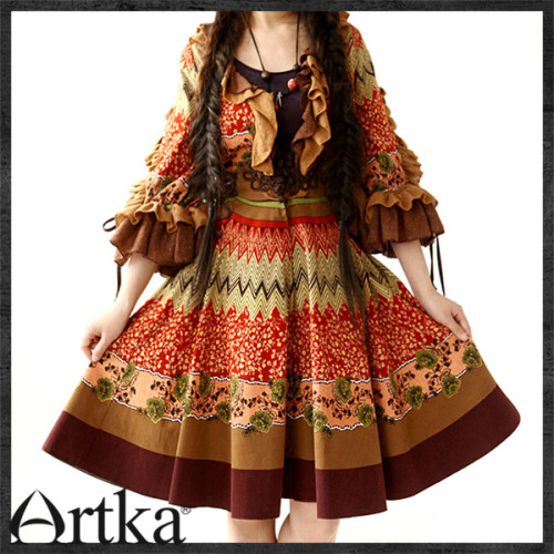 Another Artka dress! This time, I actually own this one! It was one of the few my Chinese shopping service was able to buy for me. I love it dearly. People stare at me funny when I wear it but I don't care! I feel like a forest princess when I wear this one. :3