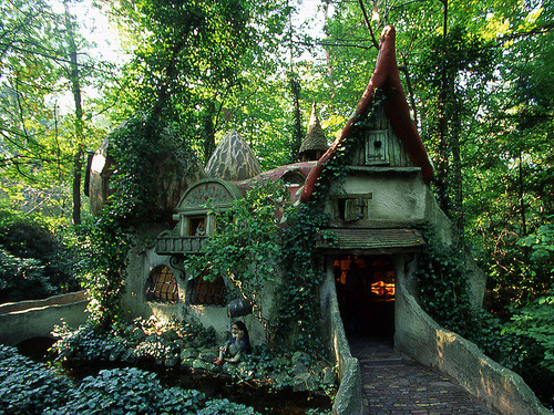 Forest house in Efteling, Holland.  source: http://www.panoramio.com/photo/13416974