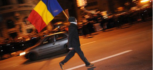 Who are the Indignados of Bucharest? Thousands of people from all walks of life have been demonstrating all week in Bucharest as well as all over the country against both austerity measures and a political system gangrened by corruption. It is about time that the government took their complaints seriously, warns Romanian sociologist Mircea Kivu.