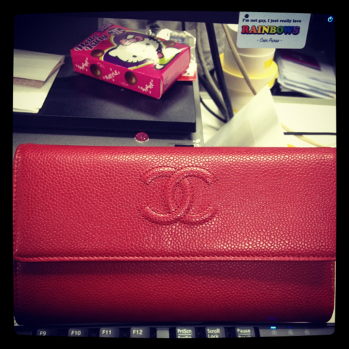 Remember the red Chanel wallet that I just had to have! Well here it is.. I adore the shade of red and ever since my first long wallet from givenchy I have been hooked on long wallets!   They are just so useful!   ❤❤