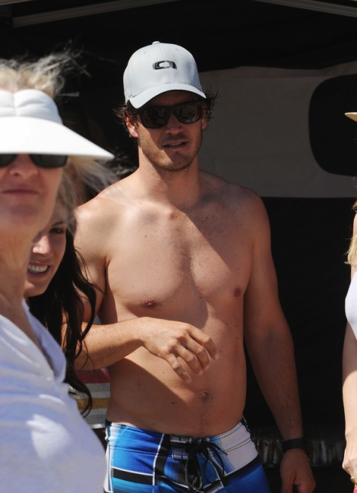 Mark-Paul Gosselaar (paparazzi photo)
