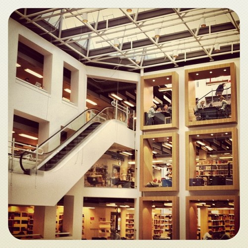 aurvig:  #library #architecture #Copenhagen (Taken with instagram)
