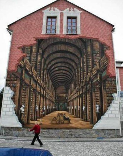 amandaonwriting:  Library in the street via The Berry
