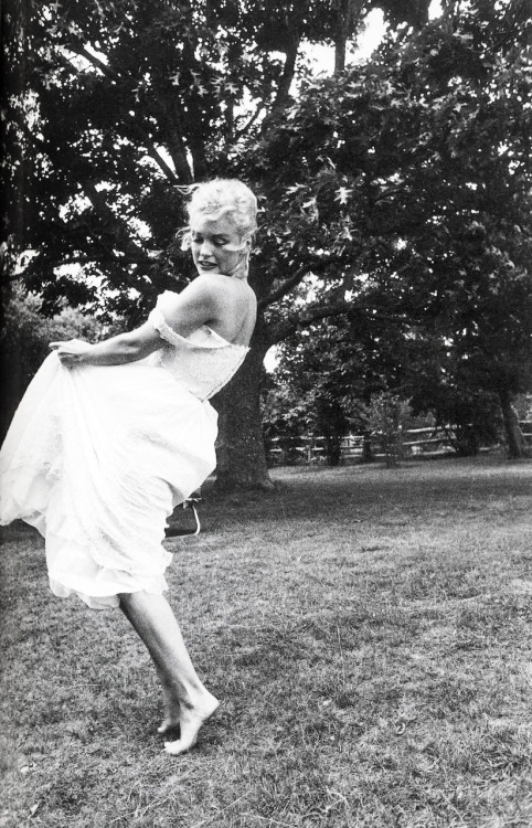 Marilyn Monroe by Sam Shaw (1957)