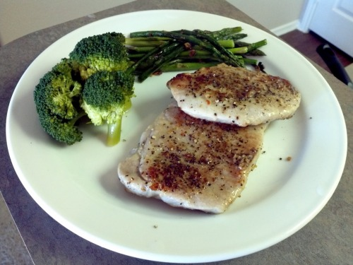 What I cooked today (19 jan 12)  Pan seared pork chops with sauteed asparagus & brocolli