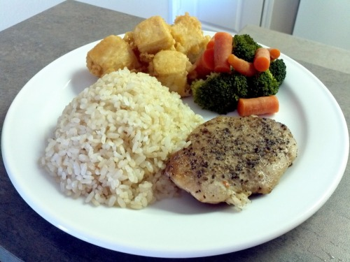 What I cooked today (20 jan 12)  Grilled pork chops with deep fried tofu and boiled brocolli served with brown rice