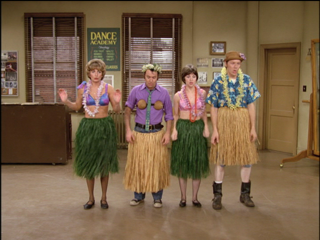 "heckyeahlaverneandshirley:  ""The Dance Studio"" - Season 3"