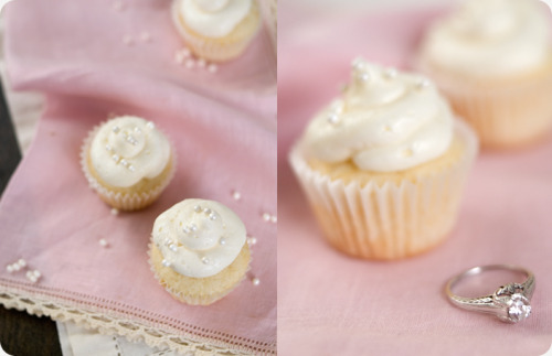 Champagne cupcakes Click here for recipe