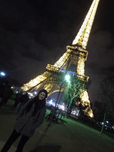 So Proud of My Sis: Sorry for the lack of updates lately.  I was in Paris helping my sister get settled in her new digs, and since returning to Vienna Monday night I've been swamped with teaching, tutoring, and schoolwork.  Paris was a big success last weekend!  Our apartment that we stayed at was lovely, with a dramatic view of the Sacre Coeur across the street.  I showed Manda how the metro works, some neighborhoods I thought she'd enjoy the most, and my favorite grocery stores. Got Panda all settled in her new dorm, which is a cute corner room with three big windows overlooking the rose garden at the Fondation des Etats-Unis (and my weak chicken arms are still recovering from transporting suitcases on the elevator-less Paris metro). For more information on the Fondation, here's a link to their website: http://www.feusa.org/