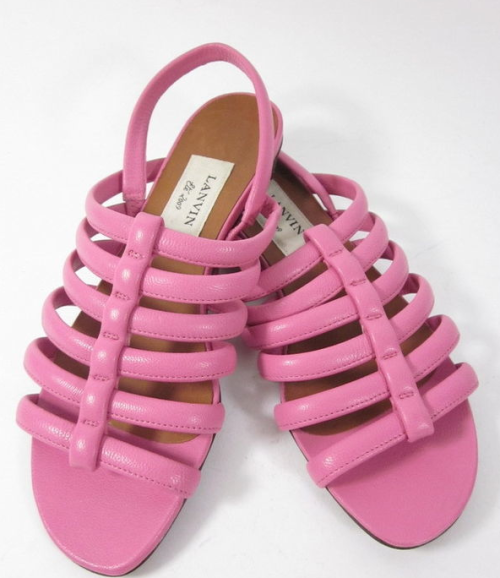 Ebay find of day: pink leather Lanvin sandals. Size 37, bidding starts at $89. I would buy these in a heartbeat if they were in my size.