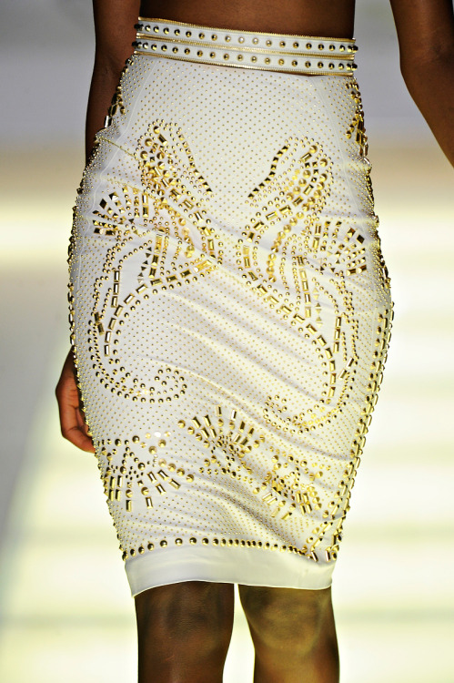 wildrave:  Versace / Spring 2012   @BGKIonline #BGKI Black Girls Killing It Rewards & Giveaways