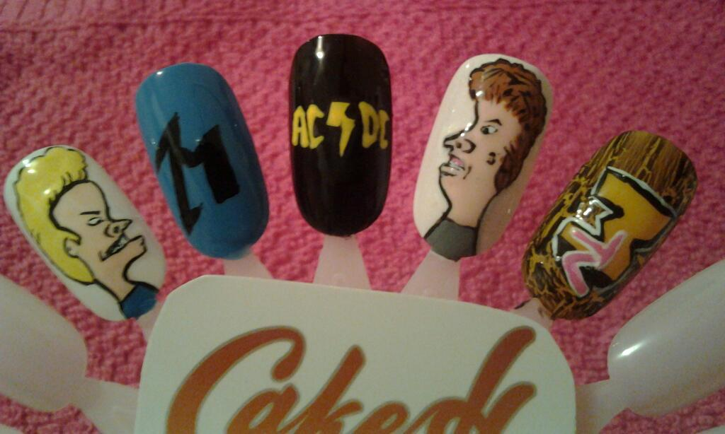 cakescreations:  I want my MTV! Beavis and butthead nails finally done :)