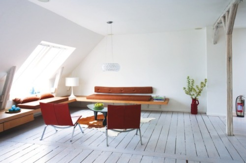 things I love: window seat (via Boligmagasinet.dk)