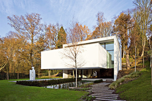 musesofdesign:  (via Perke an Artful House in Belgium)