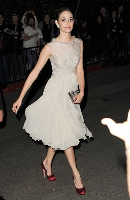 dresscode-highfashion:  Emmy Rossum in a Georges Hobeika Couture dress and clutch & satin  pumps by Salvatore Ferragamo at the Golden Globes celebration.  See more here: http://bohemenoir.blogspot.com/2012/01/best-of-recent-celebrity-red-carpet.html
