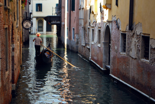 yordandim:  The Canals of Venice by Jeka World Photography on Flickr.
