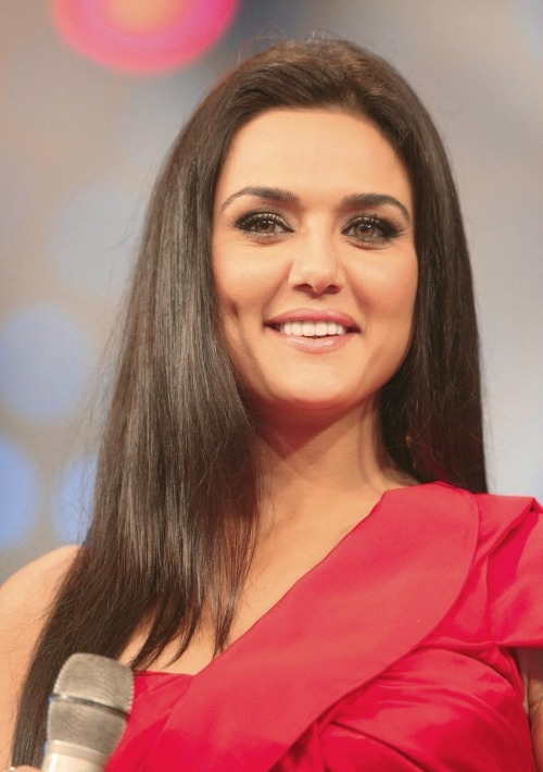 "Salman Khan's favorite co-star Preity Zinta. ""I love her bluntness, her jovial nature, her positive thinking. I like her happy personality.""  Akshay Kumar- ""She's the Basanti of my Sholayland.""  Katrina Kaif- ""Except for Preity Zinta, I haven't met a single secure actress in Bollywood."""