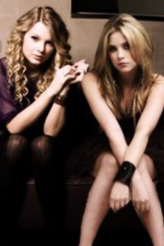Ashley benson and Taylor swift