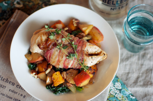 gastrogirl:  bacon-wrapped chicken with squash and apples.