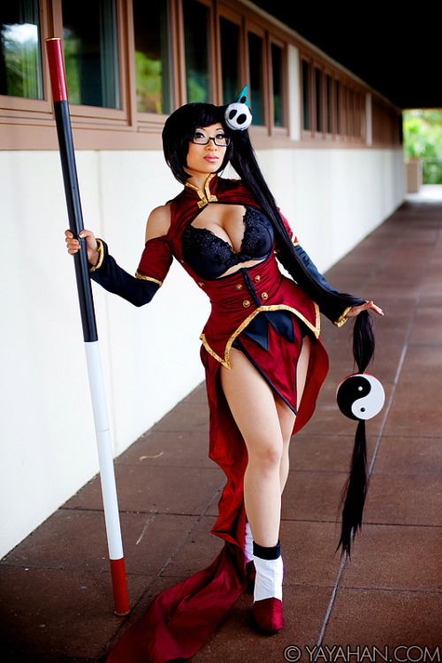 Lady Cosplay Blog 2011-2012 Week (Day 3):  Litchi Faye-Ling from BlazBlue: Calamity Trigger  Cosplayer: Yaya Han [Web | Tumblr | Twitter]Photographer: fenyxdesign
