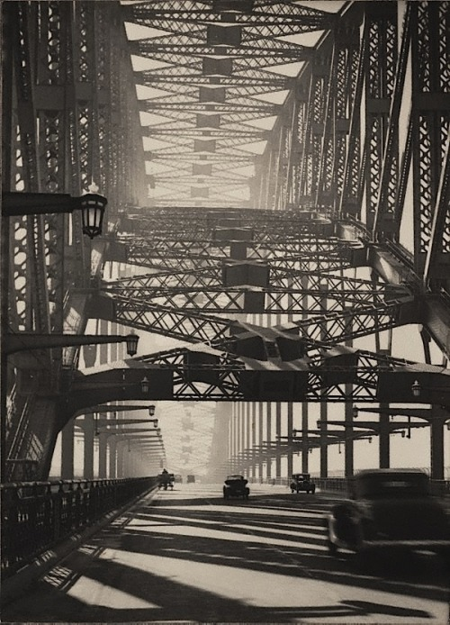 Harold Cazneaux  Sydney Bridge, Bridge pattern, Arch of steel, 1934