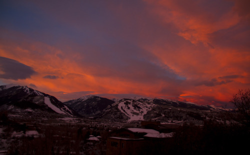 xgames:  Real sweet sunrise over Aspen this morning on the Road to Winter X!