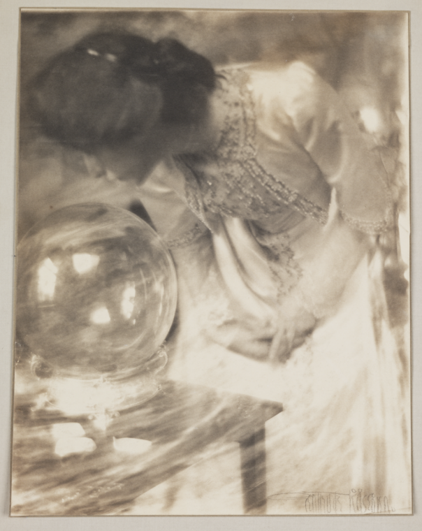 Gertrude Käsebier - The Magic Crystal, or the Crystal Gazer, 1904
