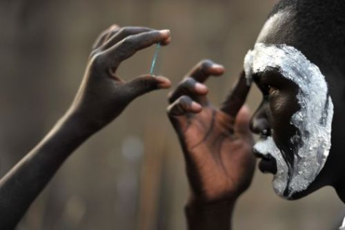 "nok-ind:  World's languages traced back to single African mother tongue: scientists. New Zealand researchers have traced every human language — from English to Mandarin — back to an ancestral language spoken in Africa 50,000 to 70,000 years ago.   Scientists say they have traced the world's 6,000 modern languages — from English to Mandarin — back to a single ""mother tongue,"" an ancestral language spoken in Africa 50,000 to 70,000 years ago. New research, published in the journal Science, suggests this single ancient language resulted in human civilization — a Diaspora — as well as advances in art and hunting tool technology, and laid the groundwork for all the world's cultures. The research, by Quentin Atkinson from the University of Auckland in New Zealand, also found that speech evolved far earlier than previously thought. And the findings implied, though did not prove, that modern language originated only once, an issue of controversy among linguists, according to the New York Times. Before Atkinson came up with the evidence for a single African origin of language, some scientists had argued that language evolved independently in different parts of the world. Atkinson found that the first populations migrating from Africa laid the groundwork for all the world's cultures by taking their single language with them. ""It was the catalyst that spurred the human expansion that we all are a product of,"" Atkinson said, the Wall Street Journal reported. Atkinson traced the number distinct sounds, or phonemes — consonants, vowels and tones — in 504 world languages, finding compelling evidence that they can be traced back to a long-forgotten dialect spoken by our Stone Age ancestors, according to the Daily Mail. Atkinson also hypothesized that languages with the most sounds would be the oldest, while those spoken by smaller breakaway groups would utilize fewer sounds as variation and complexity diminished. The study found that some of the click-using languages of Africa have more than 100 phonemes, or sounds, whereas Hawaiian, toward the far end of the human migration route out of Africa, has only 13, the Times reported. English has about 45 phonemes. The phoneme pattern mirrors the pattern of human genetic diversity as humans spread across the globe from sub-Saharan Africa around 70,000 years ago. Source: http://www.globalpost.com/dispatch/news/business-tech/science/110415/language-science-linguistics-mother-tongue-english-chinese-mandarin-africa"