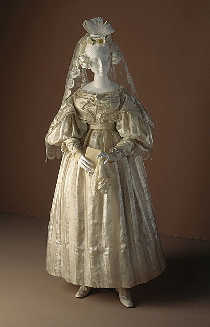 Wedding dress and veil, 1830-33 US, LACMA