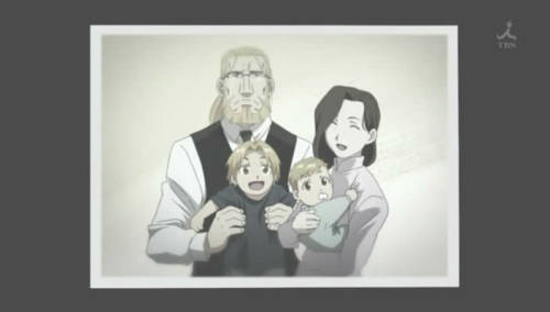 Love the family photo in FMA:Brotherhood