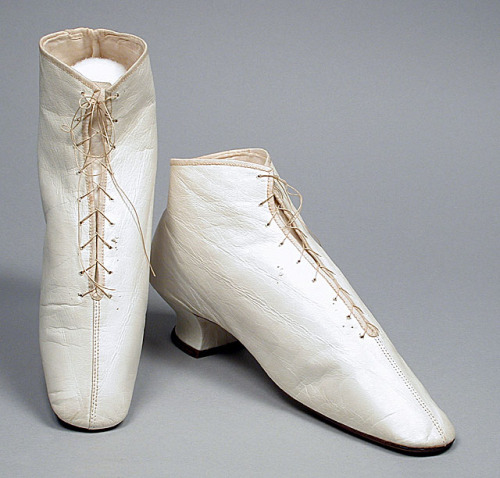 Wedding boots, ca 1860 US, LACMA