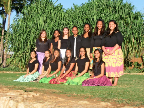 gracielorenzo:  HULA CLUB 2011-2012.. its all about the hula<3 this is the only thing that can clear my thoughts