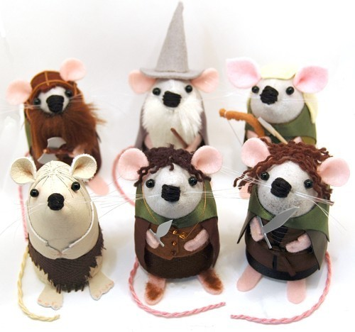 lolawasthecat:  Fellowship of the Ring mice.  Obviously.