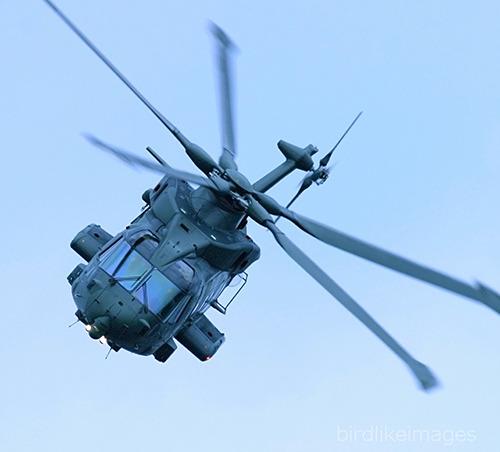 UK Air Force EHI EH-101 Merlin HC3 Mk411 Military Helicopter RAF Farnborough Birdlikeimages APlusPhoto EH101_Merlin Greg Bajor