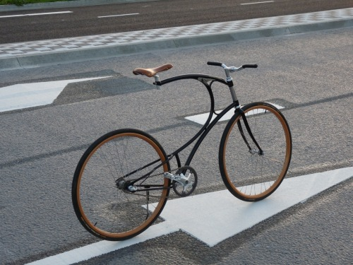 bikeseatsolidarity:  I would  Oh my gosh!  This bike is gorgeous! ……CLYDE!  I HAVE FOUND YOU A LOVER!