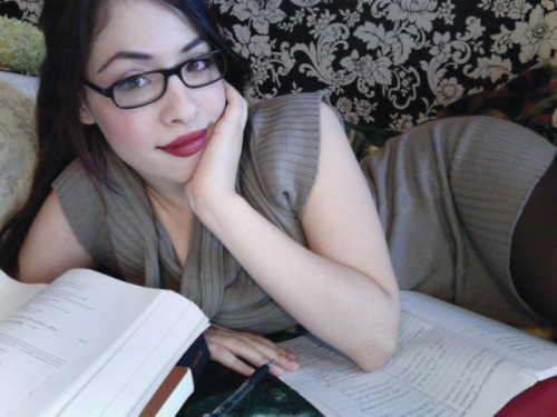 amysticvelvet:  Too much homework for a Sunday.