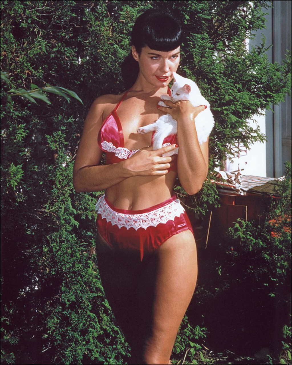 cultqueens:  Bettie Page.