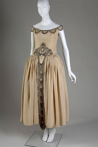 Evening dress by Jeanne Lanvin, 1927 Paris, Chicago History Museum