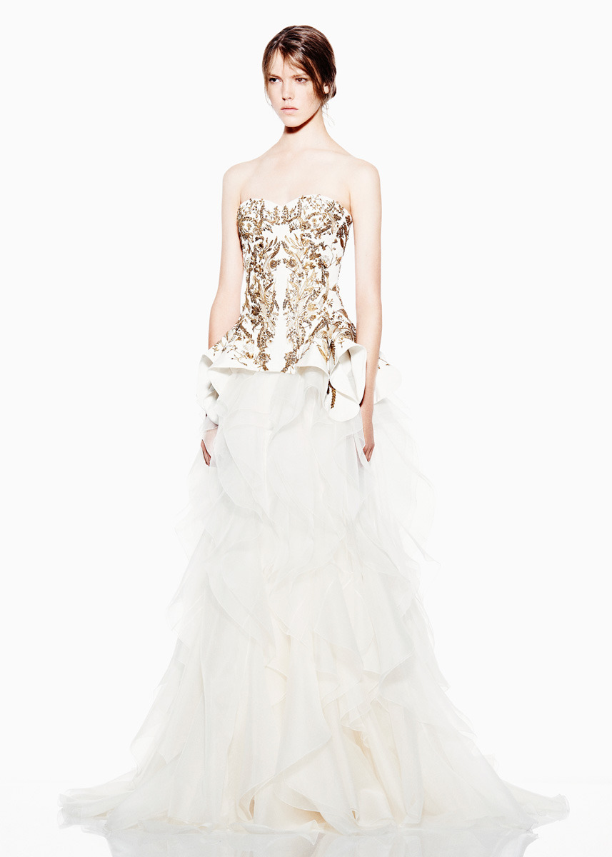 Dress Envy: Sarah Burton for Alexander McQueen Resort 2012. Can this be my wedding dress. Please? I will die happy. Just saying.
