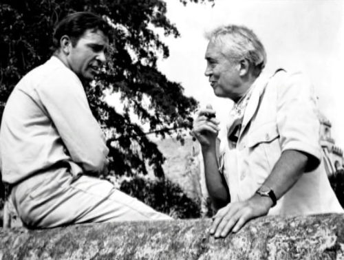 Richard Burton and director John Huston on the set of The night of the iguana.