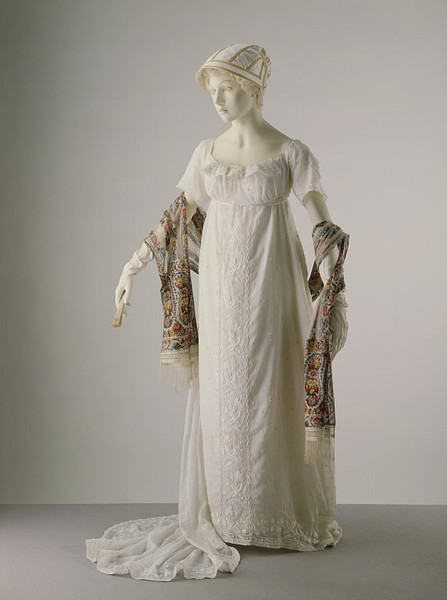 Evening dress, 1805-10 France (possibly), the V&A Museum