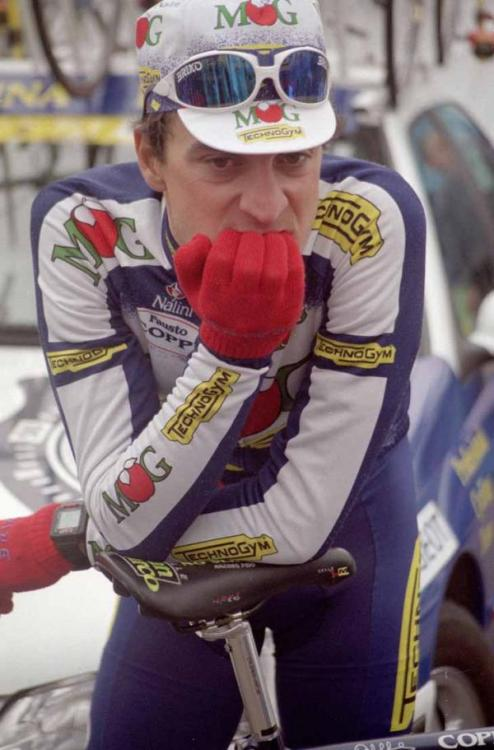 Michele Bartoli awaits the start of the 1996 Tour of Flanders.  He took the top spot that year. And man, did he do it in style. I'll post the video of his attack on the Muur tomorrow. It is off the hook. - big jonny