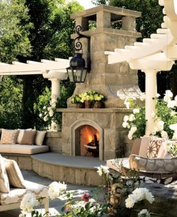 BEAUTIFUL outdoor living
