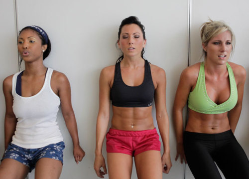 strongerandfaster:  hold it girls.